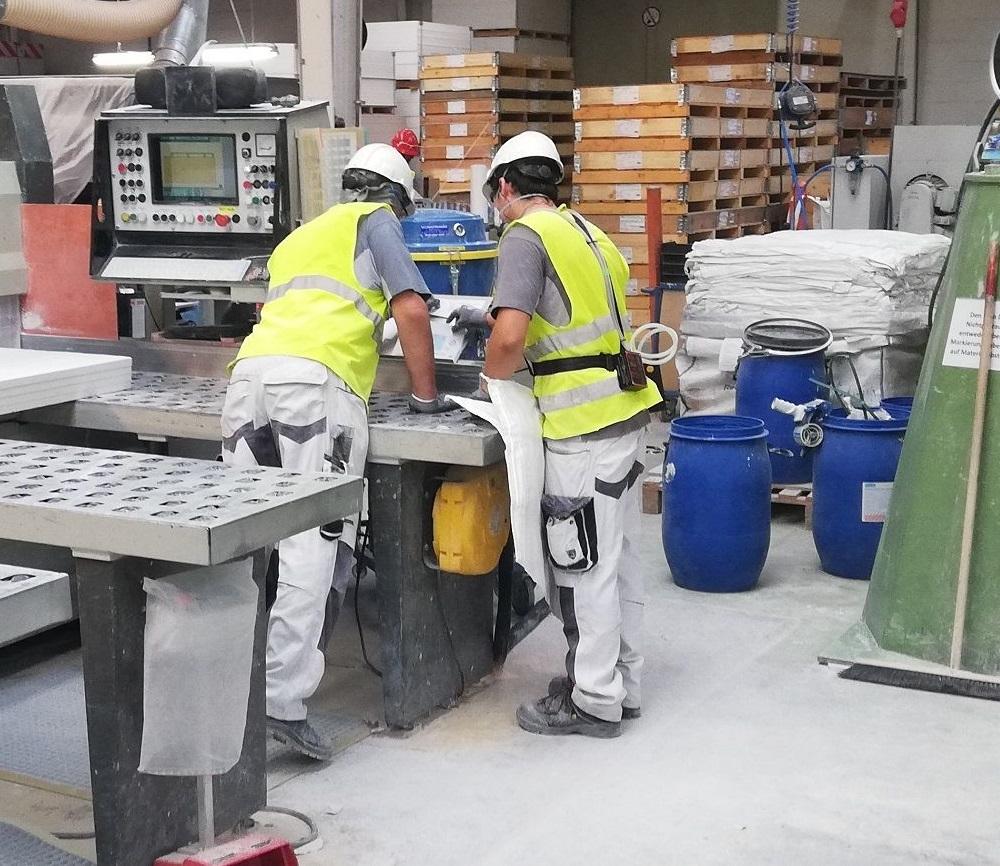 Personengetragene Staubmessung in Fabrik